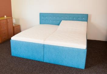 Čalúnená manželská posteľ Loreta