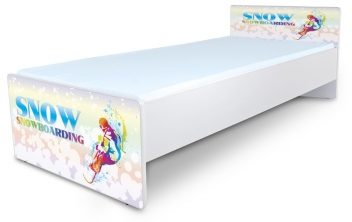 Farebná posteľ do detskej izby Snowboard
